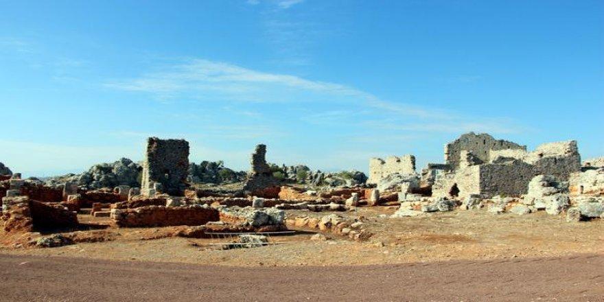 Yabani otların altında kalmış: 2200 yıllık antik kent