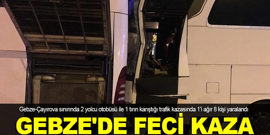 Tır, 2 yolcu otobüsüne çarptı