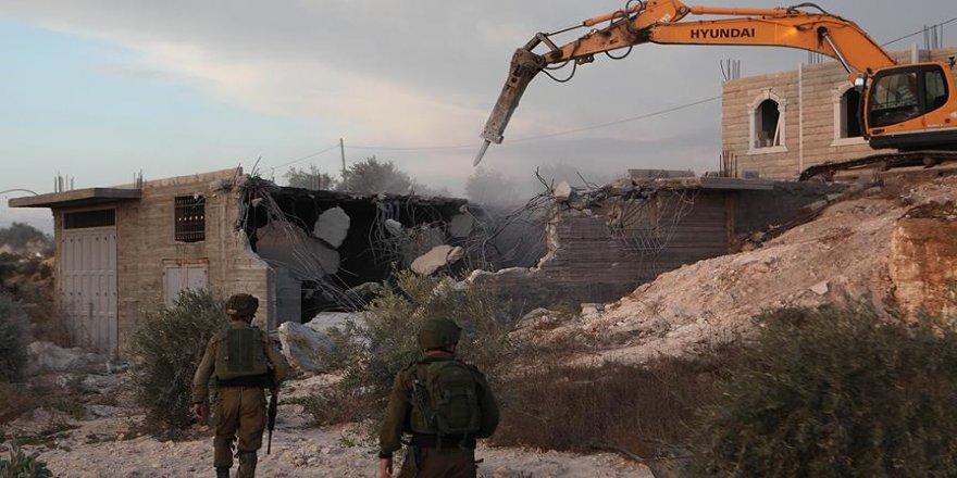 İsrail, Filistinliye ait binayı yıktı