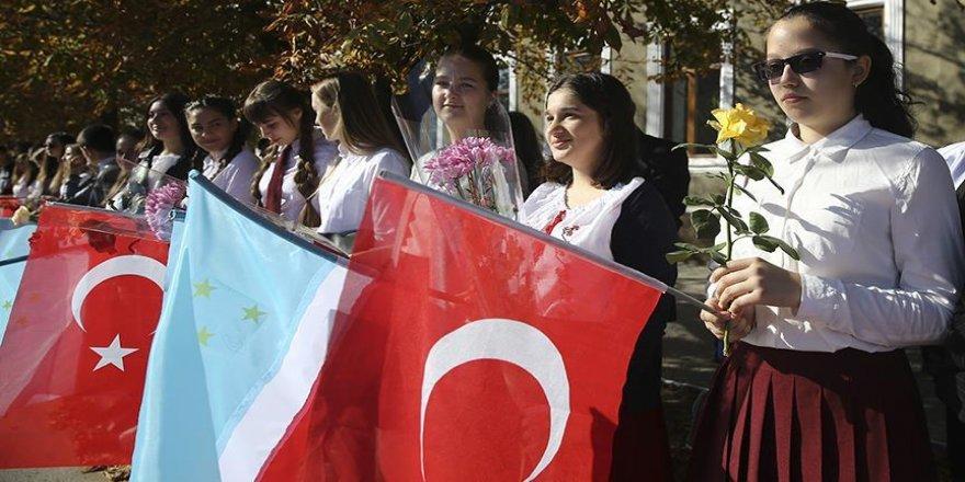 Cumhurbaşkanı Erdoğan'ı Türk bayraklarıyla karşılayacaklar