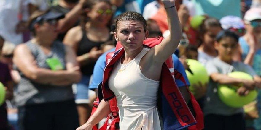 Simona Halep, WTA Finalleri'nen çekildi