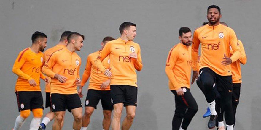 Galatasaray, Bursaspor maçı için kampa girdi