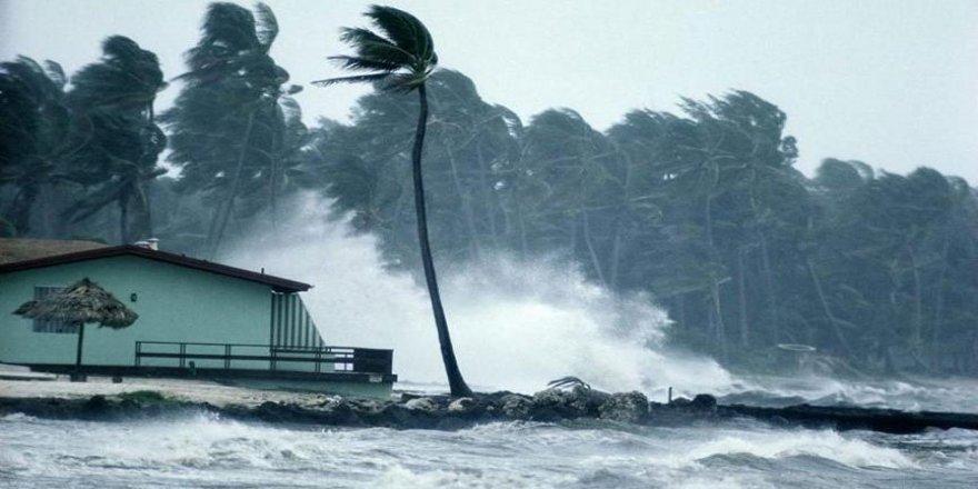 Kasırgada hayatını kaybedenlerin sayısı 35'e çıktı