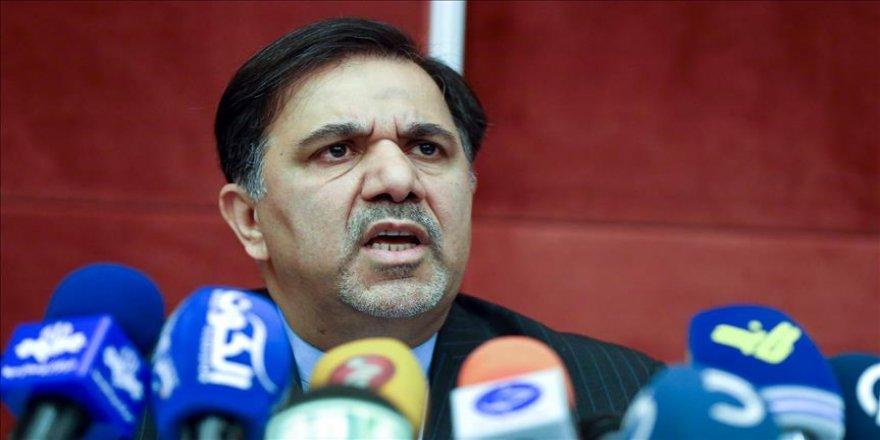 Ulaştırma ve Şehircilik Bakanı istifa etti