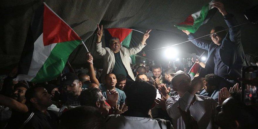 Filistinlilerden gösterilere devam kararı
