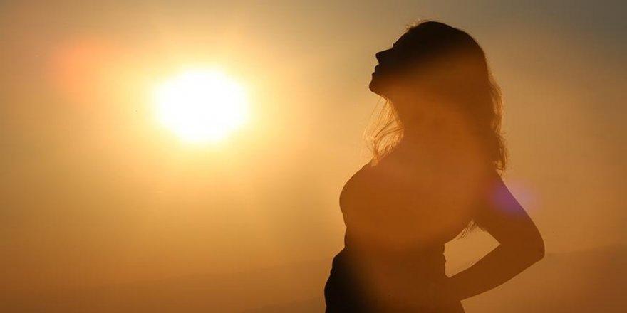 Kırışıklıklara karşı 'güneş' uyarısı