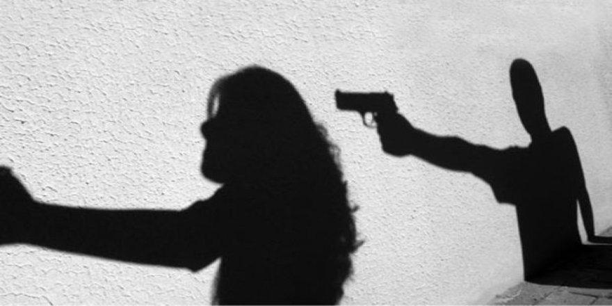 Uzaklaştırma kararı bulunan eşi tarafından öldürüldü