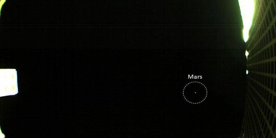 NASA'nın CubeStat uyduları ilk Mars fotoğrafını yolladı
