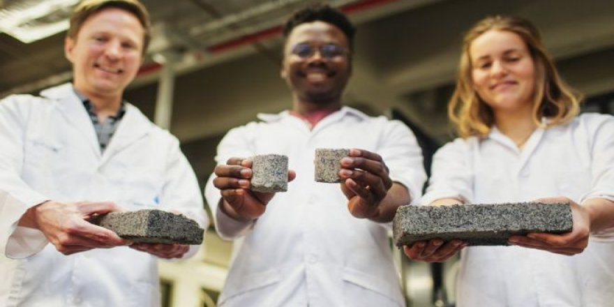 Güney Afrikalı üniversite öğrencileri insan idrarından tuğla yaptı
