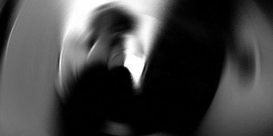 Tecavüz suçundan yatan mahkum kendi penisini kesti