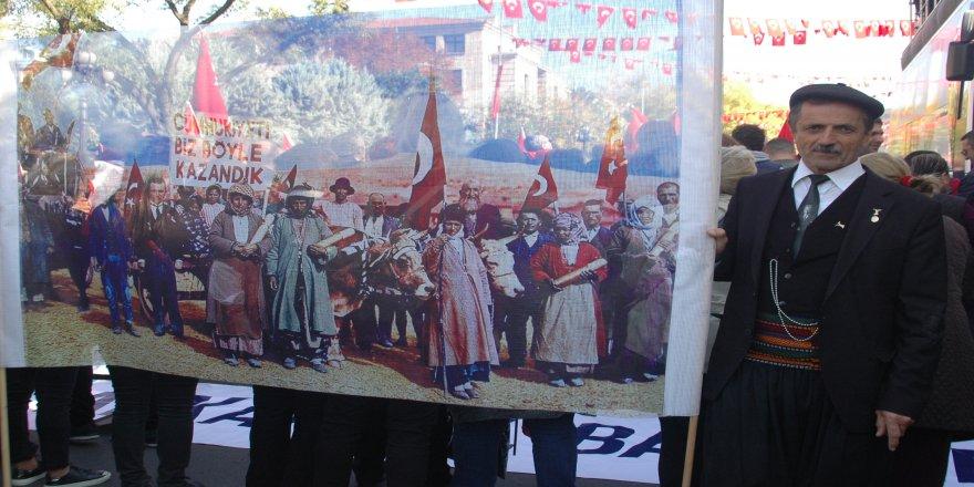 CHP'liler Anıtkabir'e yürüdü