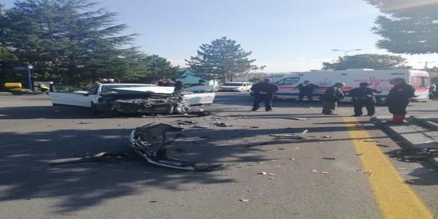 Öğrenci servisi kazası: 7 yaralı