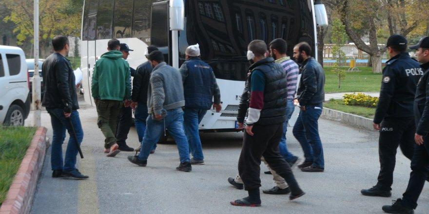 """Suriyelilerin """"ekmek ve kahve"""" kavgası"""