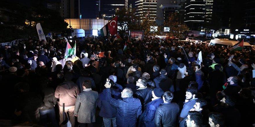 İsrail'in İstanbul Başkonsolosluğu önünde protesto