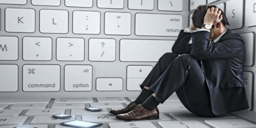 Pensilvanya Üniversitesi'nin yaptığı araştırmaya göre sosyal medya insanı yalnızlaştırıyor