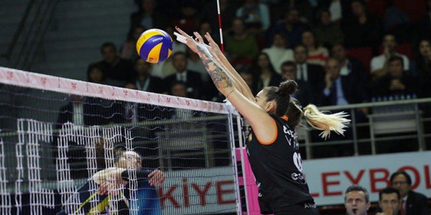 Eczacıbaşı VitrA, Fenerbahçe'ye set vermedi