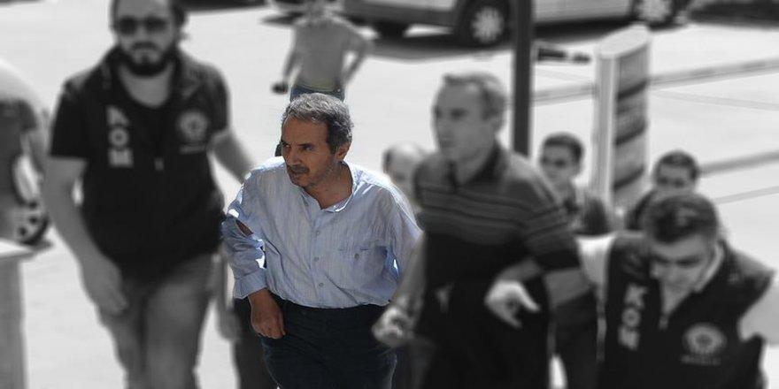 Eski Zaman gazetesi başyazarına hapis cezası