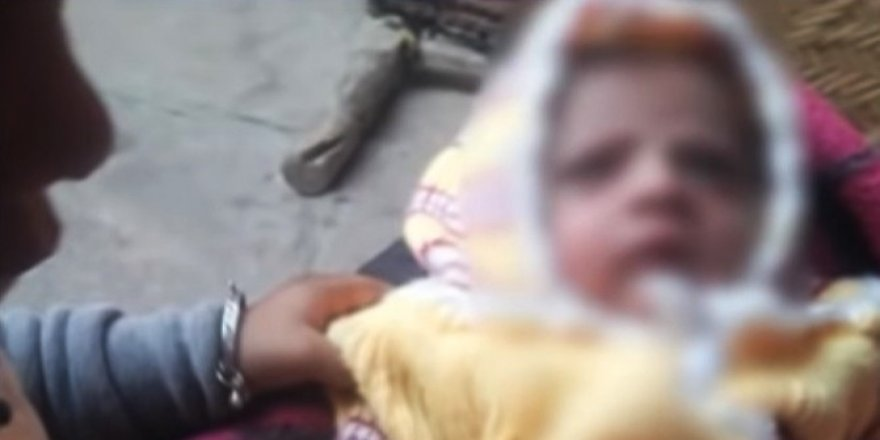 Maymun, bebeği öldürdü