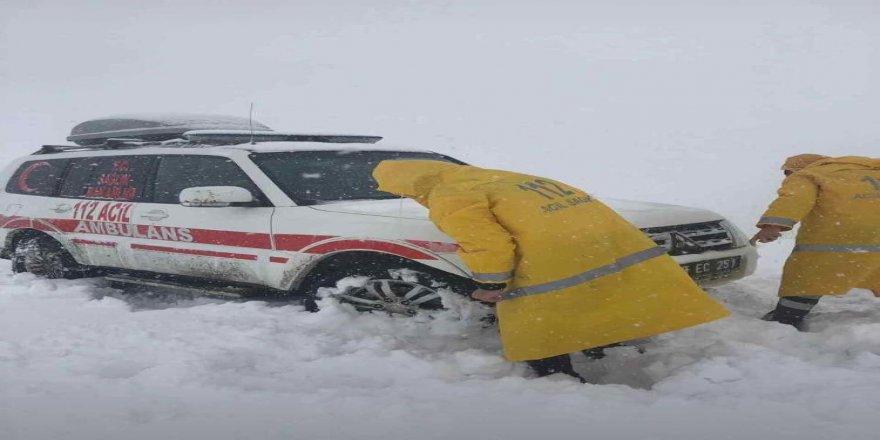 Kar yağışı etkisini göstermeye başladı.