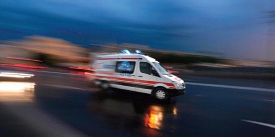 Bitlis'te trafik kazası: 1 ölü, 2 yaralı