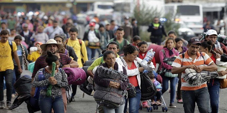 Göçmen konvoyu Amerikan sınırına ulaştı