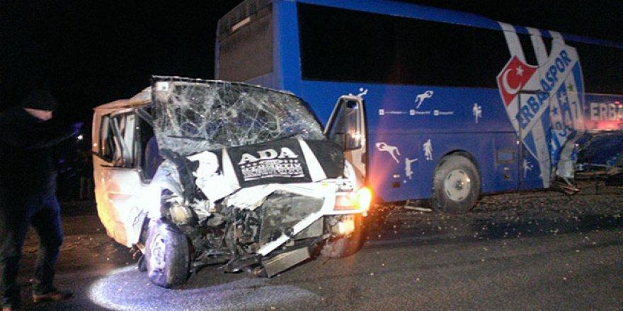 Kulüp otobüsü kaza yaptı: 1 ölü