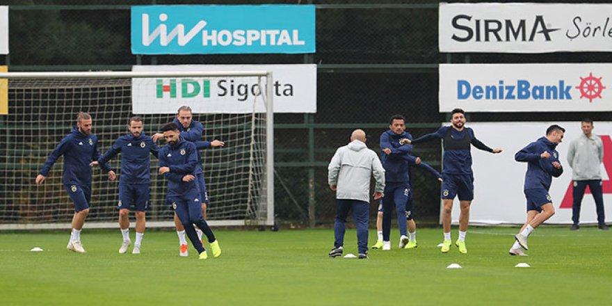 Fenerbahçe, Trabzonspor mesaisini sürdürdü