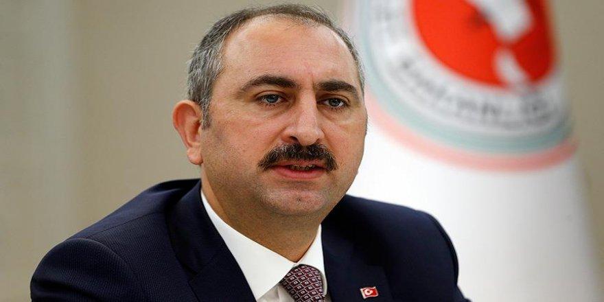 Bakanı Gül'den başörtüsü ve Kaşıkçı açıklaması