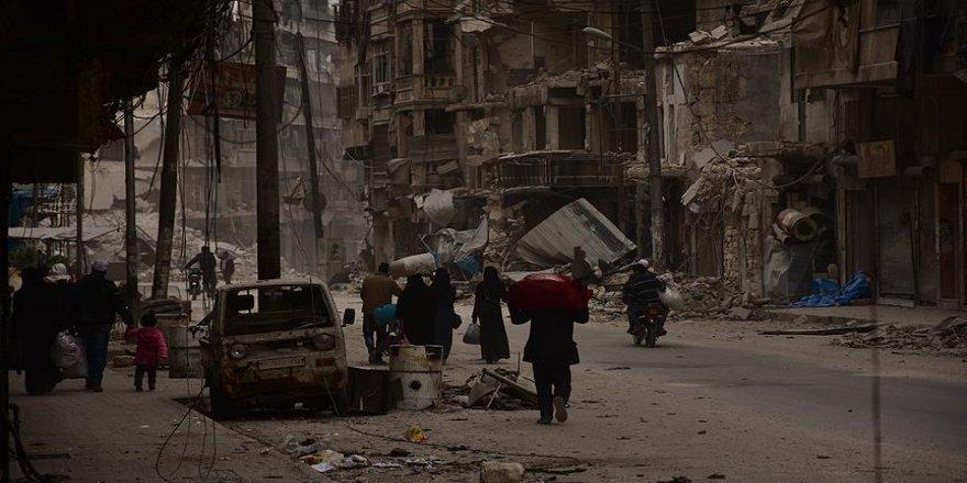 Esed rejimi sivillerin mallarına el koyuyor