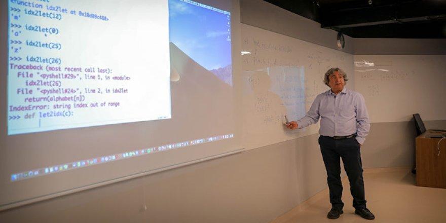 Türk bilim insanından yapay göz atılımı
