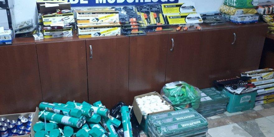 55 bin liralık hırdavat malzemesi çaldı