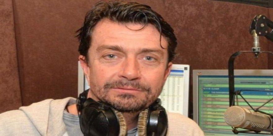Ünlü radyo programcısı evinde ölü bulundu