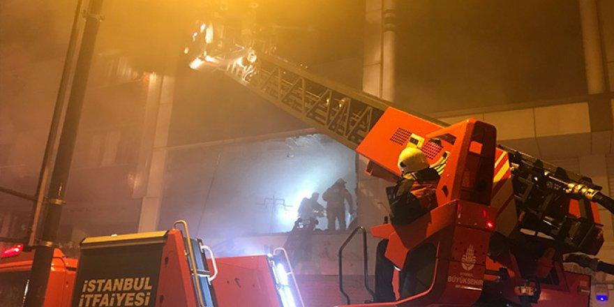 5 katlı bir iş yerinde yangın