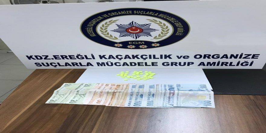3 kişi uyuşturucu ticareti yapmaktan tutuklandı