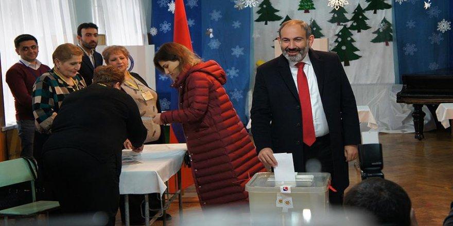 Ermenistan'da erken seçimin galibi belli oldu
