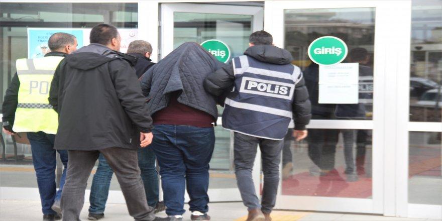 90 bin TL'lik kapı dolandırıcılığında 2 tutuklama