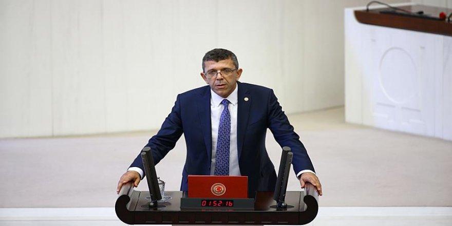 İYİ Parti'li Öztürk'e 'geçici çıkarma cezası'