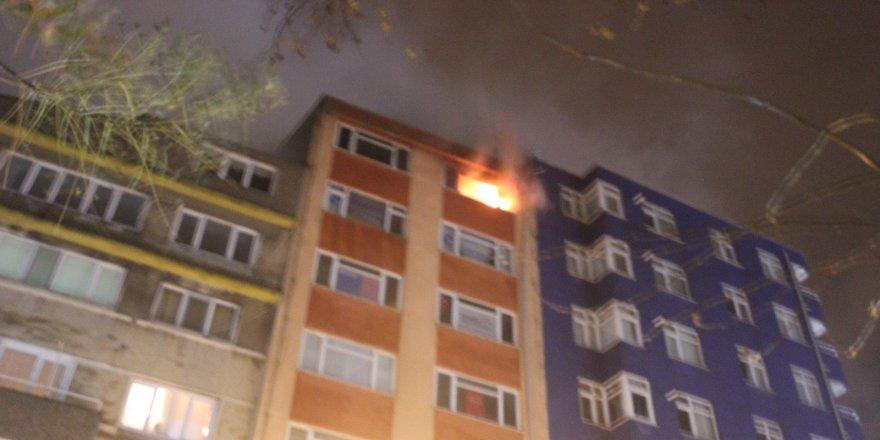 7. katta çıkan yangın korkuttu