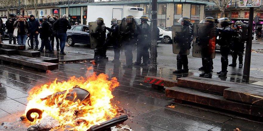 Fransa'da öğrenciden polis hakkında suç duyurusu