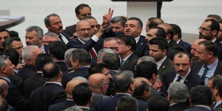 AK Parti ve CHP'li vekiller arasında tartışma