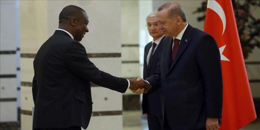 Cumhurbaşkanı Erdoğan Kamerun Büyükelçisini kabul etti