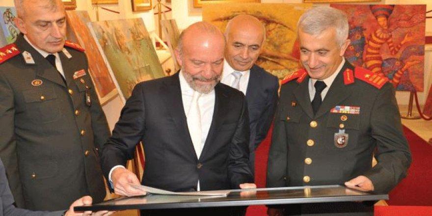 Kıbrıs GKK Tuğgeneral Tevfik Algan'ten sergi ziyareti