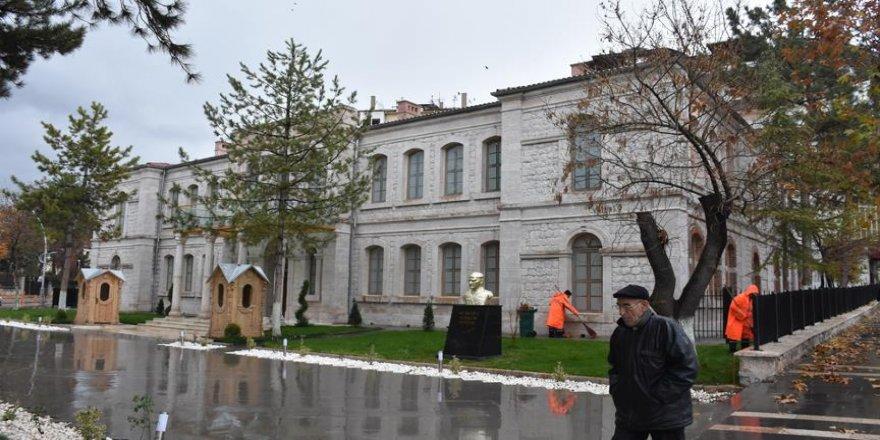 Ecdat yadigarı bina eski ihtişamına kavuştu