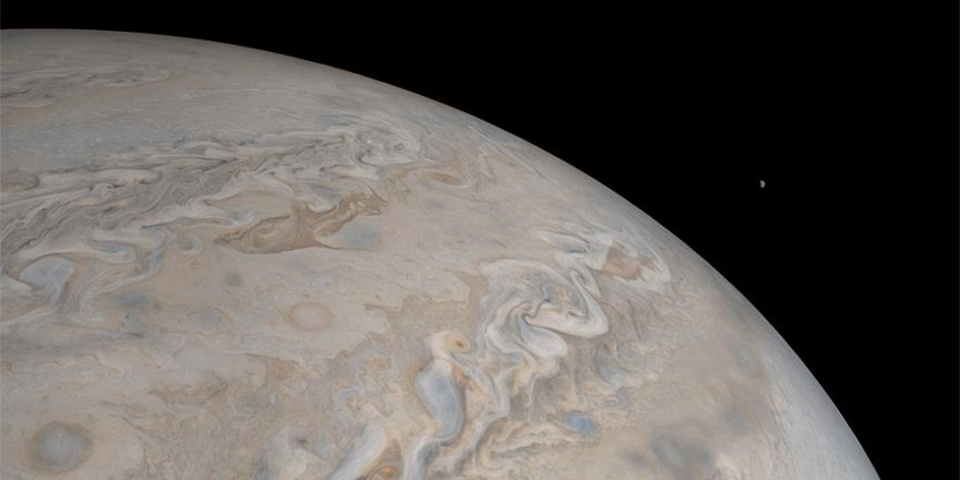 Jüpiter'in yeni fotoğrafları paylaşıldı