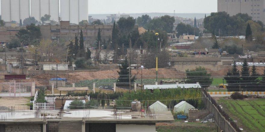 YPG, Kamışlı'da hendek kazıyor