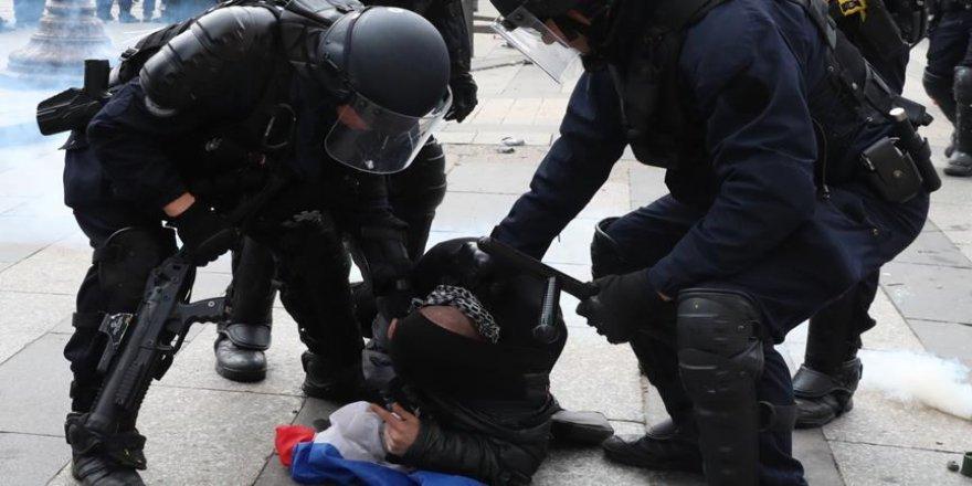 Sarı yeleklilerin gösterisi öncesinde 25 gözaltı