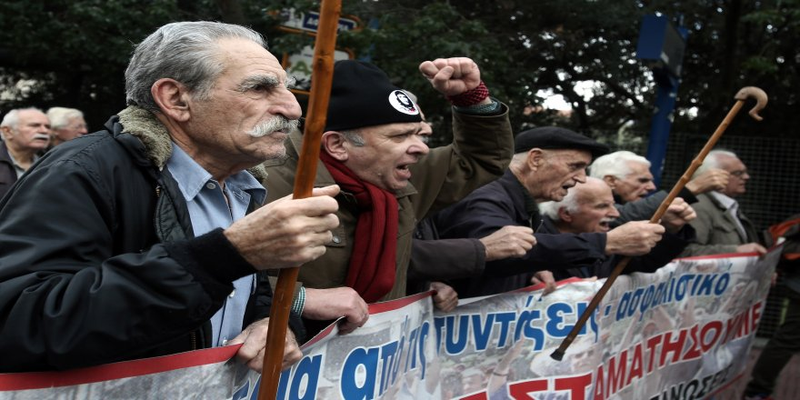 Emeklilerden maaş protestosu