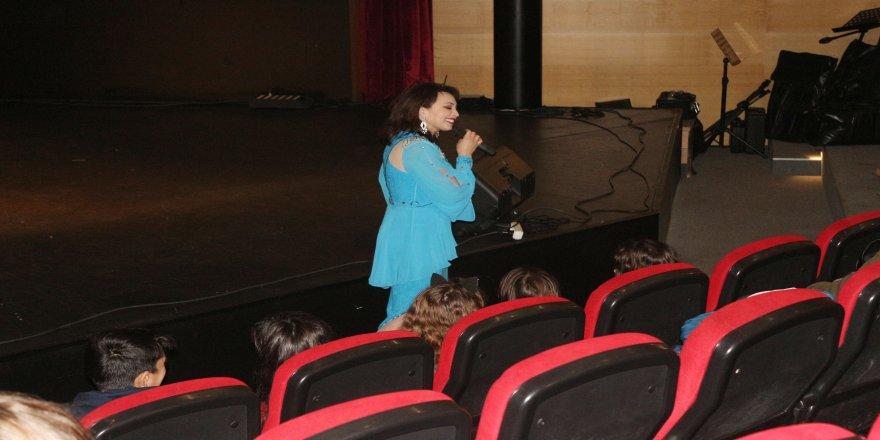 """Tataristanlı ünlü opera sanatçı Gimatdinova: """"Türkiye'ye aşık oldum"""""""