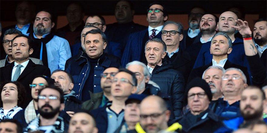 Başkanlar maçı yan yana izledi