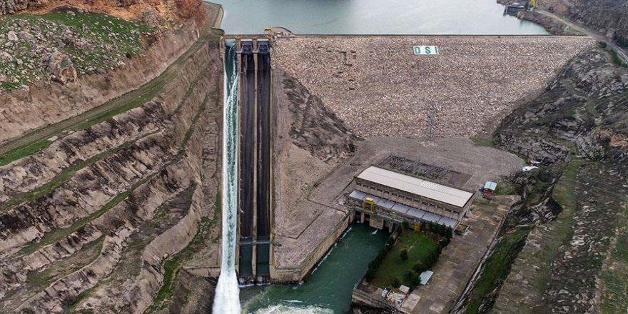 Dicle Barajı'nda kopan kapak yarın monte edilecek